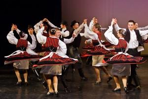 Táncosok